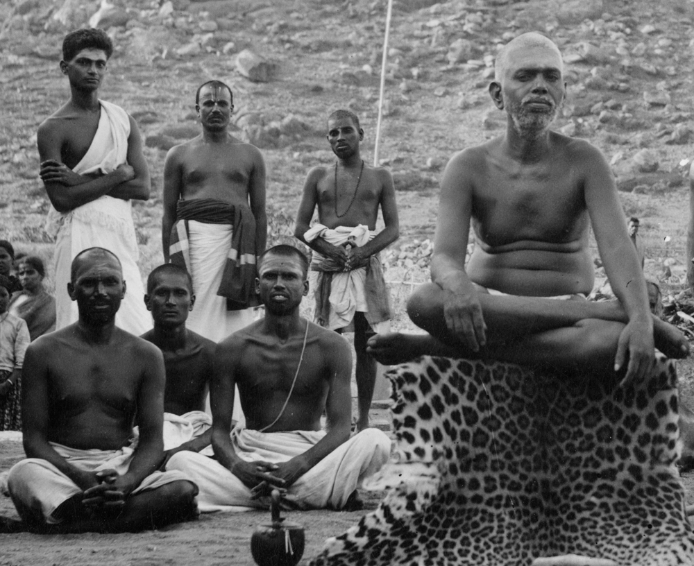 Front row, left to right, Perumal Swami, Ramakrishna Swami, Muruganar
