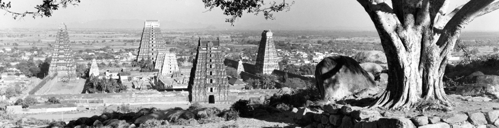 Arunachaleswara Temple, taken from Guhai Namasivaya Temple