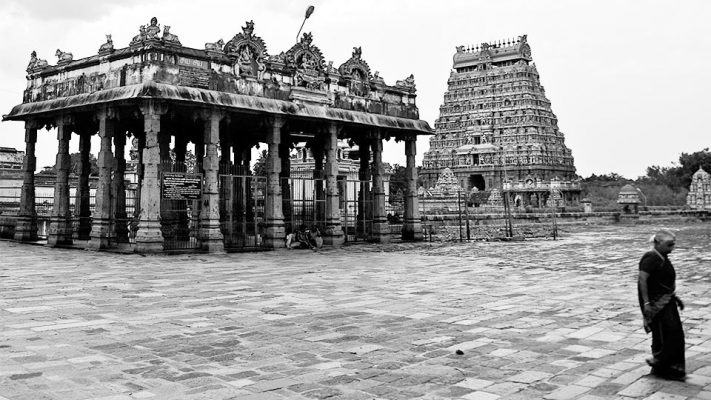 An old photo of an interior courtyard of the Chidambaram Temple
