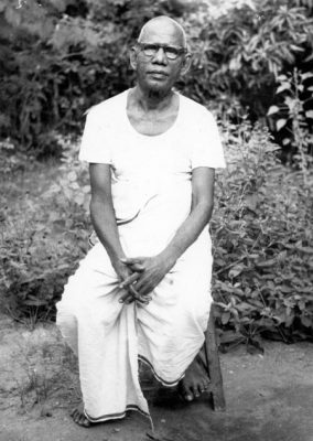 Sadhu Natanananda in his garden