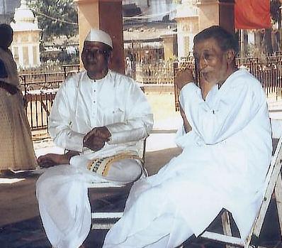 nisargadatta_maharaj_with Ranjit