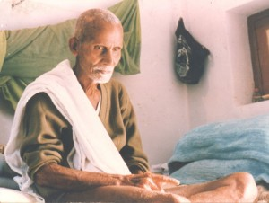 Annamalai-Swawi-in-his-room