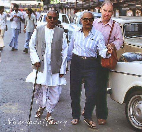nisargadatta_maharaj_with Balsekar and Joseph