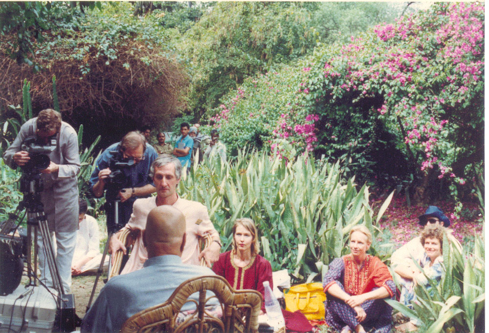 Interviewing Papaji in the Botanical Gardens, Lucknow, 1993