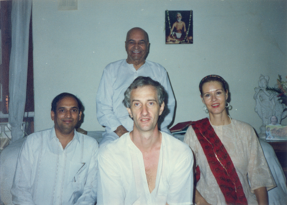 Sitting with Papaji in his living room, 1994